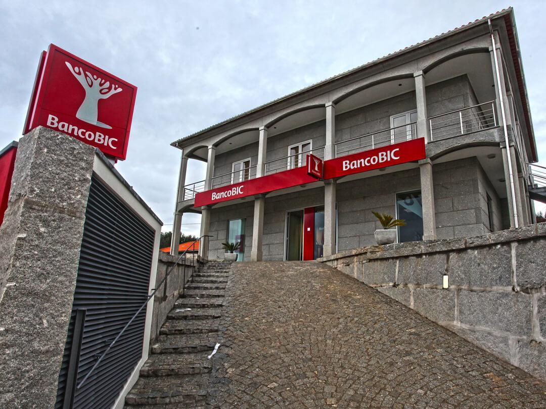 Em Angola, o banco BIC figurou, em 2013, no segundo lugar da tabela dos resultados líquidos, entre mais de vinte bancos.