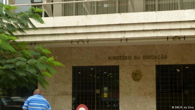 Carreira noMinistério da Educação e Desenvolvimento Humano