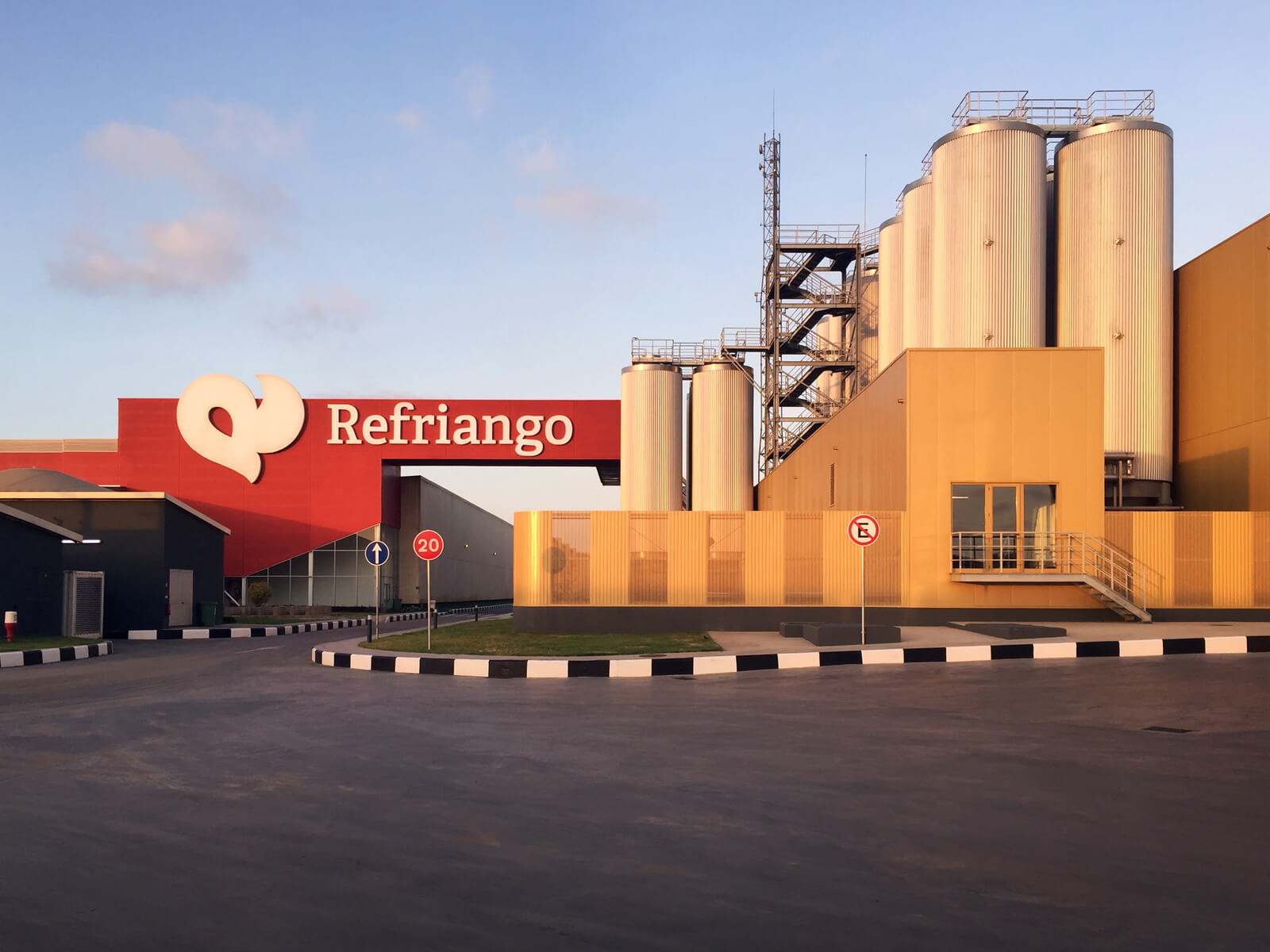 Vagas na Refriango Angola